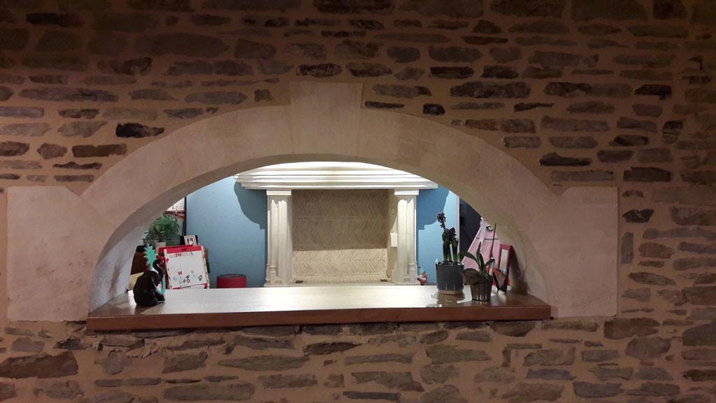 Anse de panier en pierre de Saint-Maximin - Arc en pierre