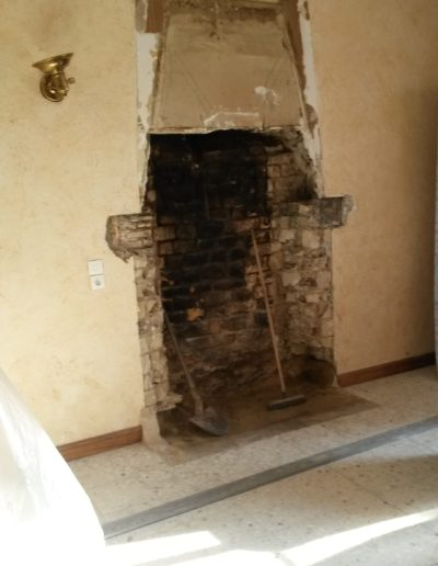 cheminee-foyer-ouvert-pierre-de-savonniere