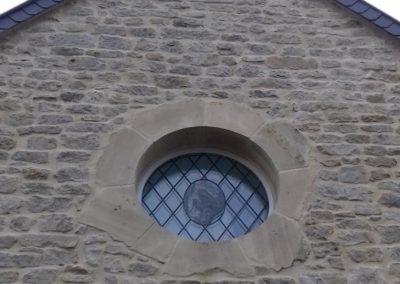 Oeil de boeuf en pierre de Caen