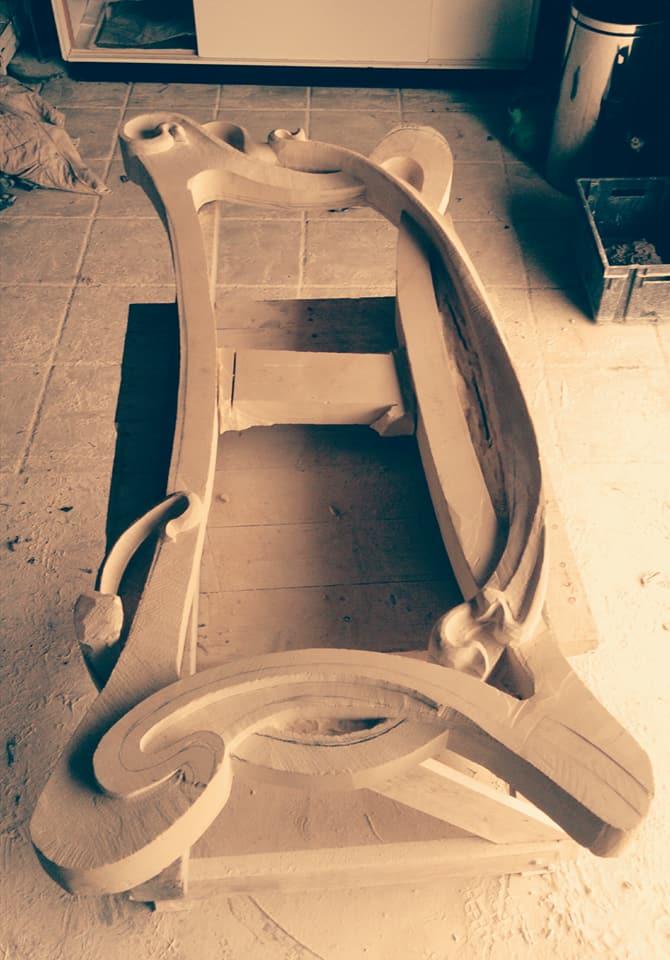 Sculpture d'un cadre en pierre de Caen inspiré de l'art nouveau