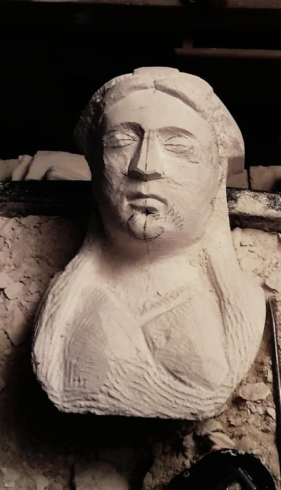 Sculpture en pierre de Tervoux - Alsacienne