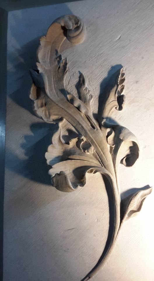 Sculpture sur pierre barrutel - Feuille d'Acanthe