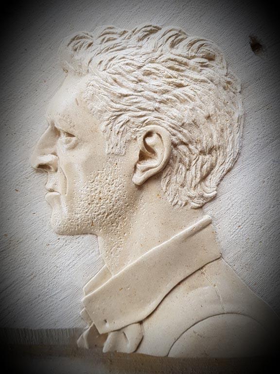bas relief Vincent Cassel Pierre de Caen